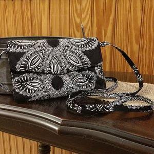 Vera Bradley Blanco Bouquet Strap Wallet